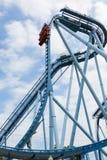 Bucles del roller coaster. Imagenes de archivo