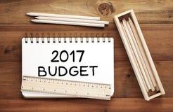 2017 budżetów słowo na notatnika papieru tle, pieniężny pojęcie Zdjęcie Stock
