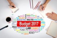 Budżeta 2017 pojęcie Spotkanie przy białym biuro stołem Zdjęcie Royalty Free