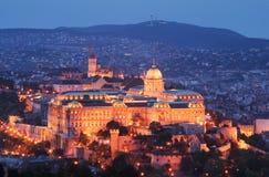 buda布达佩斯城堡匈牙利晚上 库存照片