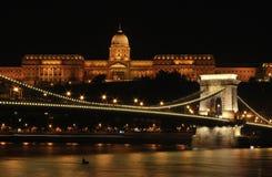 Buda Castle bij nacht Stock Fotografie