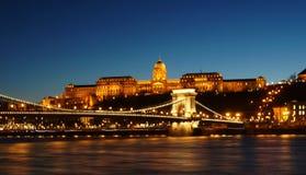 Buda Castle, Budapest, Hungria na noite fotografia de stock