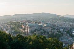 Buda Castle en Buda Hills bij Zonsondergang, Boedapest, Hongarije Royalty-vrije Stock Foto
