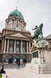 Buda Castle en het standbeeld van Prins Eugene stock foto's
