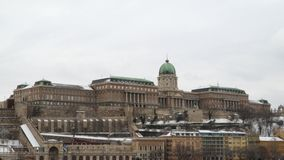 Buda Castle is het historische kasteel stock video