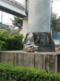 Buda cerâmica na estrada imagens de stock