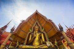 Buda Chinnarat el más grande de Kanchanaburi imagen de archivo