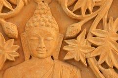 Buda com carvings florais na pedra da areia Imagens de Stock Royalty Free