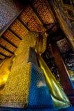 BUDA DE DESCANSO EN WAT PO, BANGKOK TAILANDIA Fotos de archivo