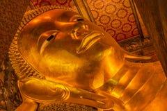 Buda de descanso, Wat Pho, Bangkok de Tailandia Fotos de archivo