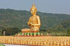 Buda de oro. Imágenes de archivo libres de regalías