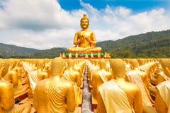 Buda de oro en el parque conmemorativo de Buda Imagen de archivo libre de regalías