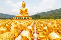 Buda de oro en el parque conmemorativo de Buda Fotos de archivo