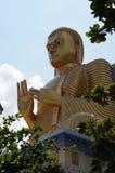 Buda de oro en el templo de oro Imagenes de archivo
