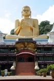 Buda de oro en el templo de oro Foto de archivo