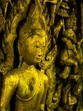 Buda de oro que talla la madera Imágenes de archivo libres de regalías
