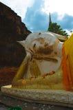 Buda de reclinação de Ayutthaya Imagens de Stock Royalty Free
