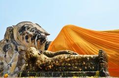 Buda de reclinação de Wat Lokayasutharam Temple em Ayutthaya Tailândia Foto de Stock Royalty Free