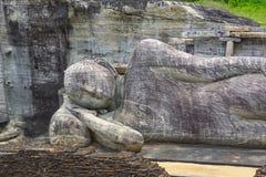 Buda de reclinação em Pollanaruwa imagem de stock royalty free