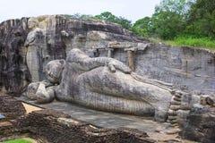 Buda de reclinação em Pollanaruwa foto de stock royalty free