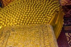 BUDA DE RECLINAÇÃO EM WAT PO, BANGUECOQUE TAILÂNDIA Fotografia de Stock