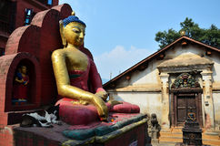 Buda del templo de Swayambhunath o del templo del mono en Katmandu Nepal Foto de archivo libre de regalías