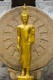 Buda dourada em Tailândia Fotos de Stock Royalty Free