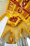 Buda dourada, ouro maciço Feito nos 13o-14os séculos, na exposição pública em Wat Traimit, Bngkok, Tailândia Imagens de Stock Royalty Free