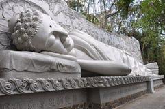 Buda durmiente en la pagoda larga del hijo en Nha Trang Imágenes de archivo libres de regalías