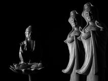 Buda e escultura de Guan Yin /Guanshiyin do Bodhisattva/de Avalokitasvara fotografia de stock royalty free