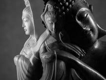 Buda e escultura de Guan Yin /Guanshiyin do Bodhisattva/de Avalokitasvara Imagens de Stock