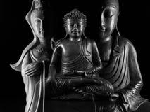 Buda e escultura de Guan Yin /Guanshiyin do Bodhisattva/de Ksitigarbha e de Avalokitasvara Fotografia de Stock