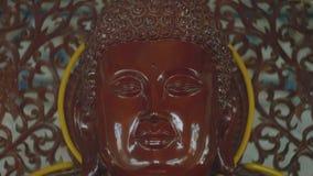 Buda en el primer del templo almacen de video