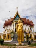 Buda en el templo de Charoentham foto de archivo