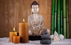Buda en el zen conceptual, colores vivos, tono natural Foto de archivo