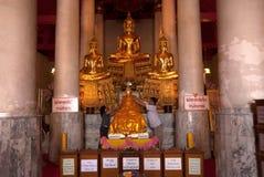 Buda en iglesia en Wat Kasattrathirat Worawihan Fotografía de archivo