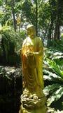 Buda en jardín fotografía de archivo