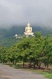 Buda en la montaña Fotos de archivo