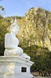 Buda en la montaña en Tailandia Imagen de archivo