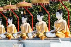 Buda en templo en Wat Vivekvanaram, Chiang Mai, Tailandia Fotografía de archivo