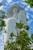 Buda grande en Phuket; Tailandia Fotos de archivo