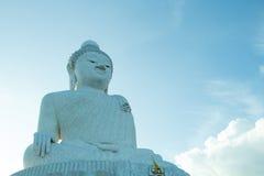 Buda grande y cielo azul Foto de archivo libre de regalías