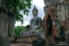Buda i Ayutthaya thailand Royaltyfri Foto