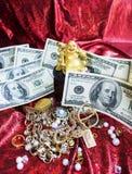 Buda, joia e dinheiro do ouro Fotos de Stock