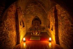 Buda no túnel do templo Foto de Stock Royalty Free