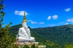 A Buda no templo de Phasornkaew, Tailândia imagem de stock