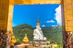 A Buda no templo de Phasornkaew, Tailândia fotos de stock