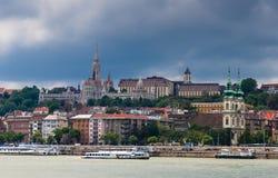 Buda och Matthias kyrka. Budapest Arkivfoton