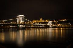Buda Palace sopra il ponte a catena Fotografie Stock