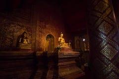 A Buda, Phra Singha em Wat Phra Singh Woramahaviharn, Tailândia Fotos de Stock